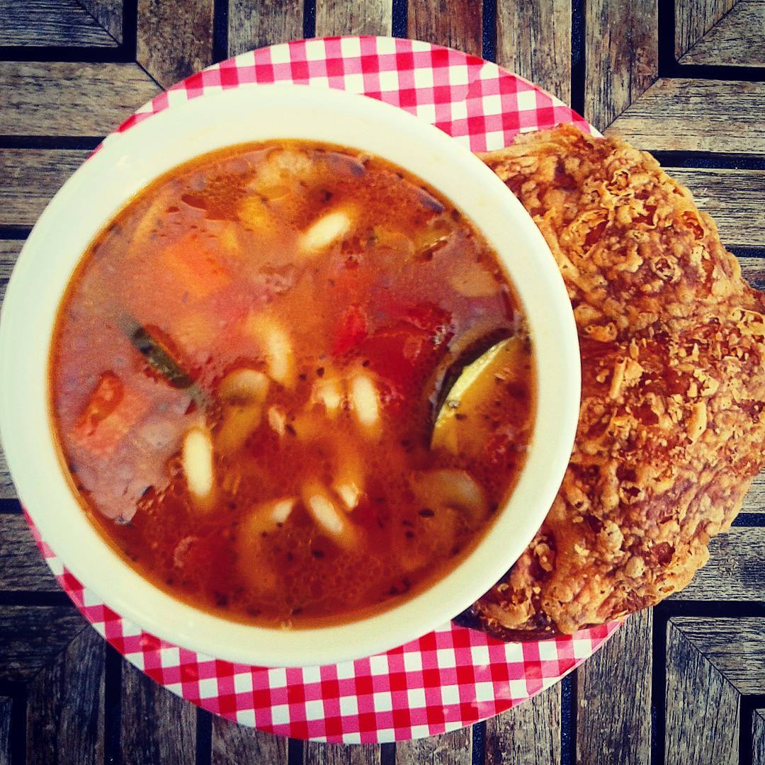 vegan-minestrone-soup
